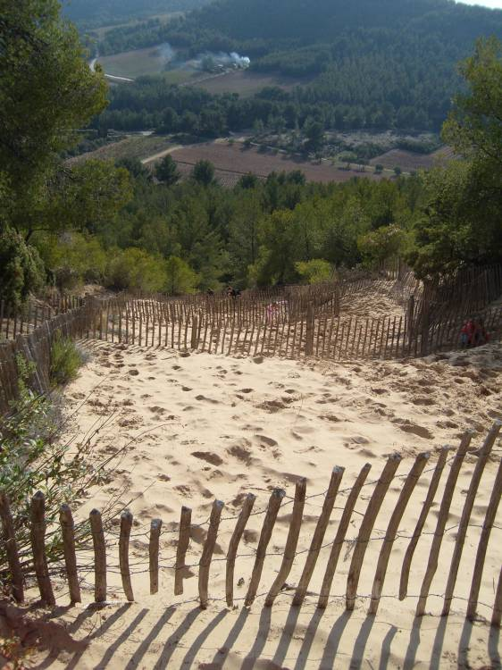 la colline de sable saint cyr sur mer surplombe la plage des lecques les studios du n penth s. Black Bedroom Furniture Sets. Home Design Ideas