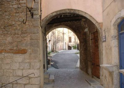 Dans les petites rues de la Cadière d Azur