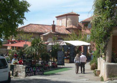 Dans les rues du Castellet