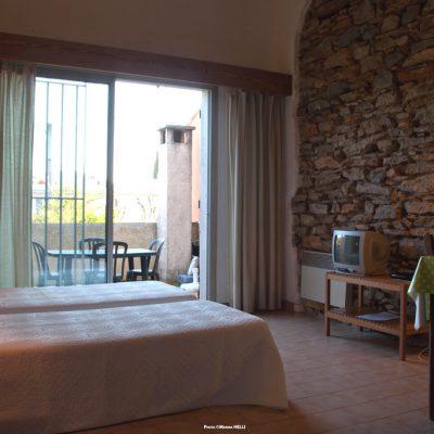 Studio César,  la chambre et la terrasse